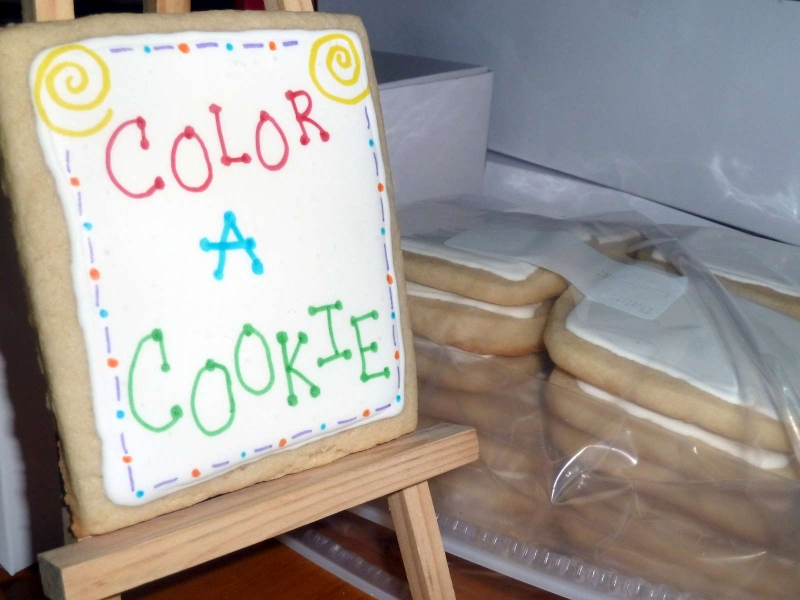 Coloring Cookie - Easel